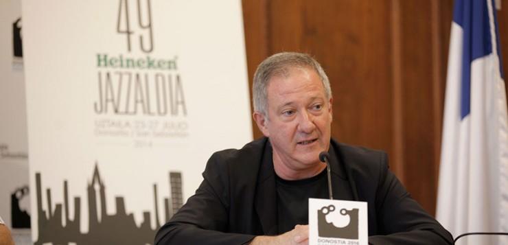 Miguel Martín, director del Heineken Jazzaldia, recibirá la Medalla de Oro al Mérito en las Bellas Artes en una ceremonia en Málaga el 6 de febrero